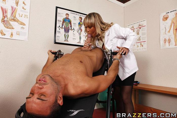 секс с медсестрой миньет фото