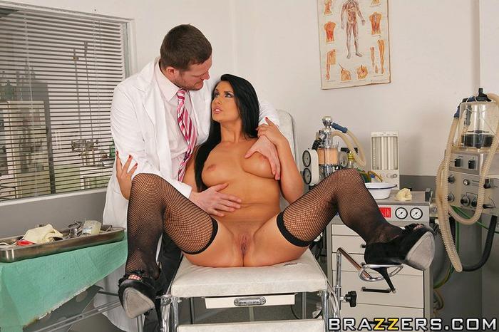 фото пациент лижет попку медсестре
